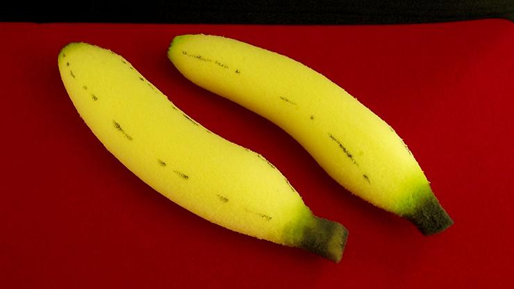 Sponge Bananas (medium/2 pieces) by Alexander May