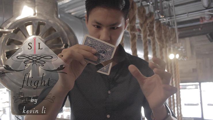 Flight by Kevin Li and Shin Lim Presents - Kartenrestauration mit schwebender Kartenecke
