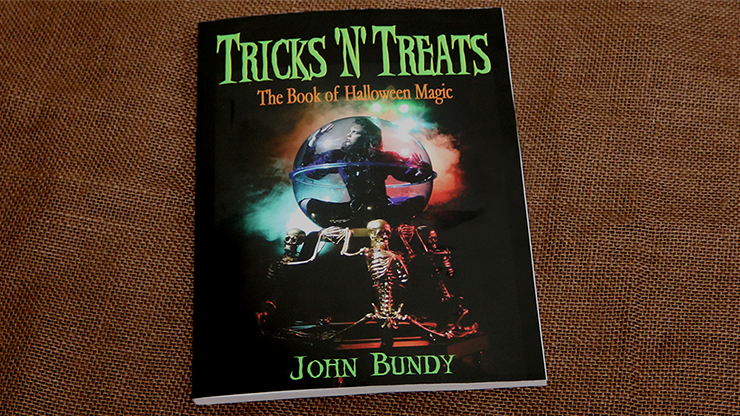Tricks 'N' Treats - John Bundy - Libro de Magia