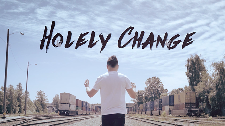 Holely Change Blue (DVD and Gimmicks) by SansMinds Creative Lab Zuschauerkarte wechselt Farbe