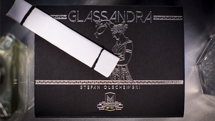 Glassandra (Gimmick and Online Instructions) by Stefan Olschewski Voraussage in Trinkglas