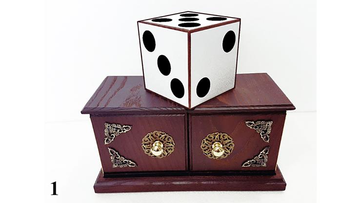 Tora Antique Dice Box by Tora Magic Würfel wandert zwischen zwei Boxen