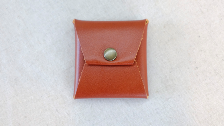 Square Coin case (Brown Leather) by Gentle Magic - Trick