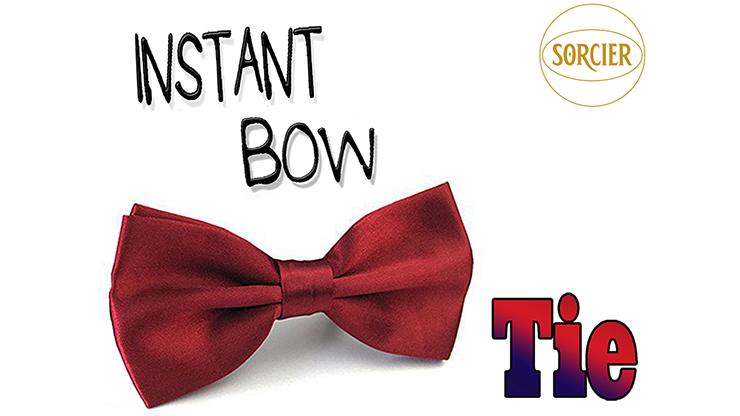 Instant Bow Tie (Red) by Sorcier Magic Fliege an Hals erscheinen lassen