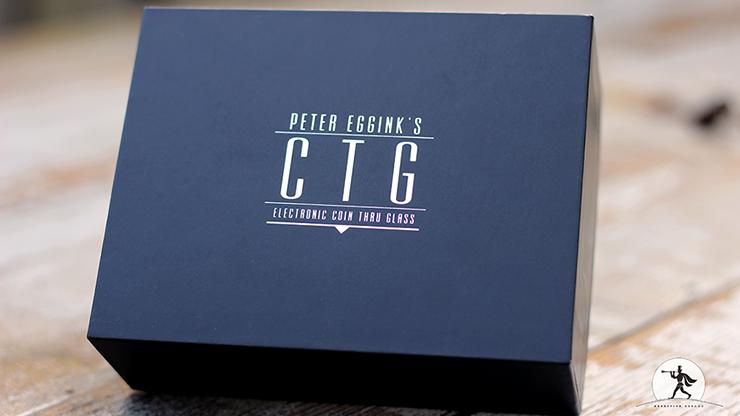 CTG Red (Gimmicks & Online Instruction) by Peter Eggink