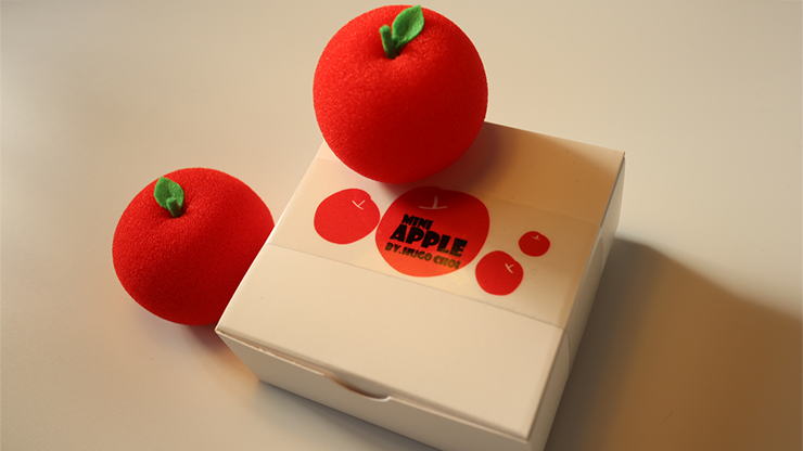 Fruit Sponge Ball (Apple) by Hugo Choi - Trick