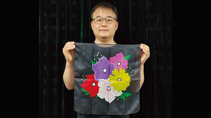 Silk Flower Design BLACK (18in) - JL Magic