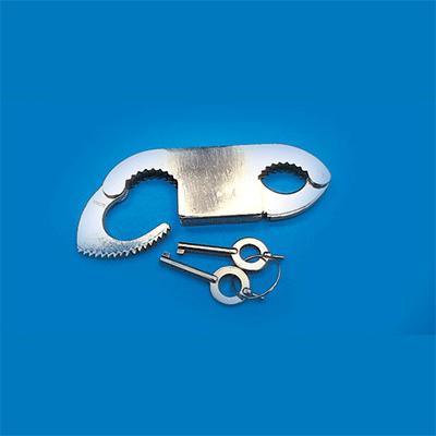 Thumb Cuffs - Trick