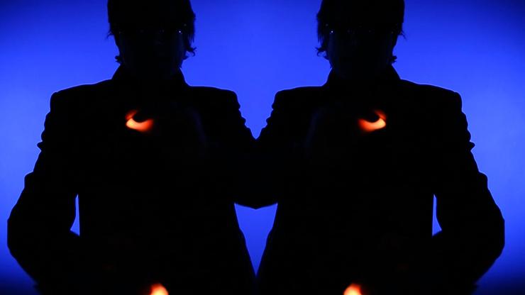 Rocco's Prisma Lites Single (Red)... MagicWorld Magic Shop