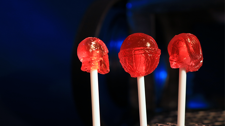 Lolli Hero Ironman and Wonder Woman (Gimmicks and Online Instructions) by Steve Rowe - Trick