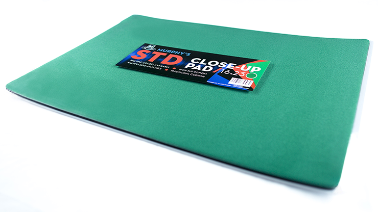 Standard Close-Up Pad 16X23 (Green) by Murphy's Magic Supplies - Trick