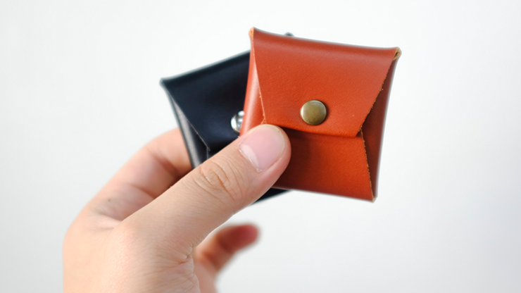 Square Coin case (Brown Leather)... MagicWorld Magic Shop
